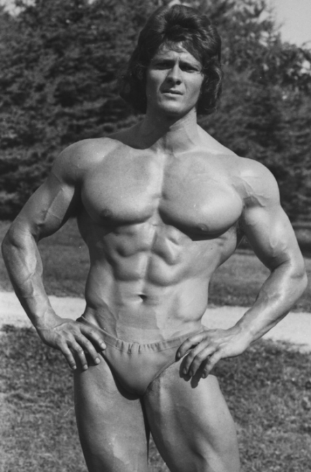 Bodybuilding Pose Wilfried Dubbels